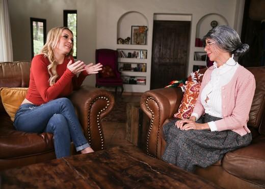Mrs. Doubtfucker: A Mrs. Doubtfire Parody - Girlsway - Lesbian Picture Gallery