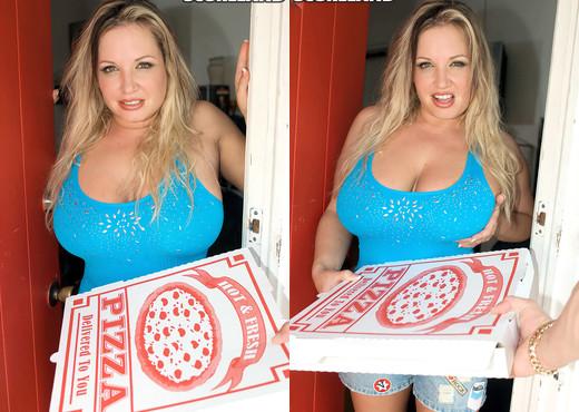 Rachel Love - Hot Delivery - ScoreLand - Boobs Image Gallery