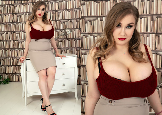 Cheryl Blossom: Busty Librarian In The SCORE Stacks - Boobs Picture Gallery