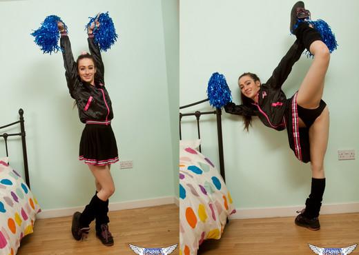 Elise - Cheerleader - SpunkyAngels - Solo Image Gallery