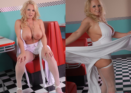 Rachel Love At The 50's Diner - Pornstars Nude Gallery