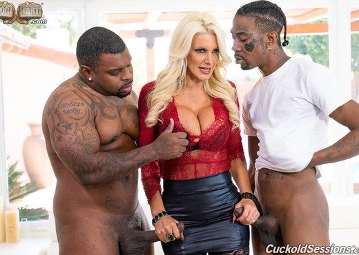 Brittany Andrews - Cuckold Sessions - Interracial Nude Pics