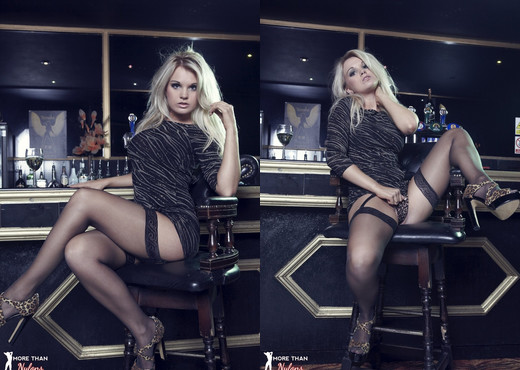 Shelley Roberts - Cosmic - More Than Nylons - Solo Nude Pics