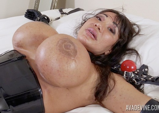 Ava Devine in Caught Cheating - Pornstars Nude Pics