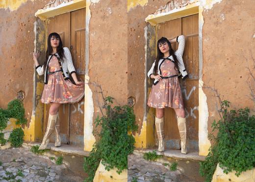 Sophia Jade - A Flash Of Jade - Girlfolio - Solo Image Gallery