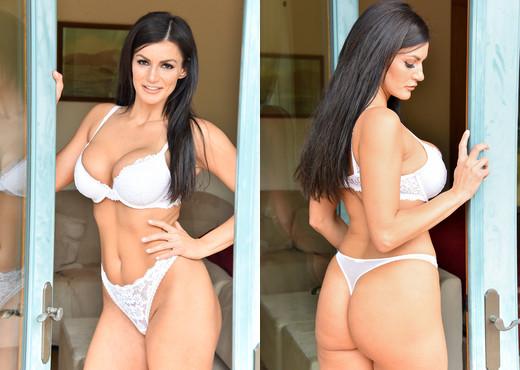 Becky - White Hot - FTV Milfs - MILF Porn Gallery
