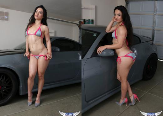Tianna - Bikini Car Babe - SpunkyAngels - Solo HD Gallery