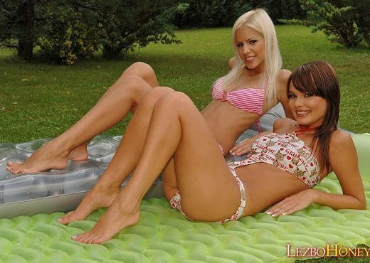 Boroka & Lucy Lux Hardcore Lesbians - Lezbo Honeys - Lesbian HD Gallery