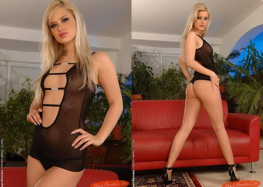Brigit - Magic Blondes - Toys Hot Gallery