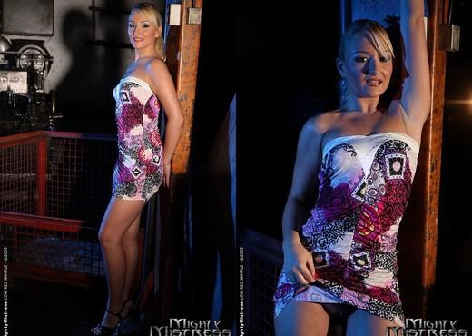 Lee Lexxus & Cynthia Moore Lesbian BDSM - Mighty Mistress - BDSM Hot Gallery