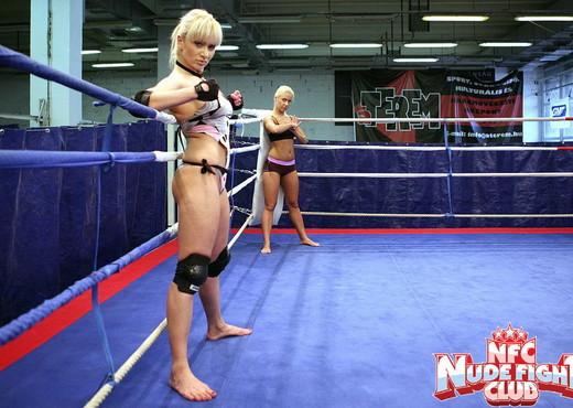Lee Lexxus & Nikky Thorne - Wrestling Girls - Lesbian HD Gallery