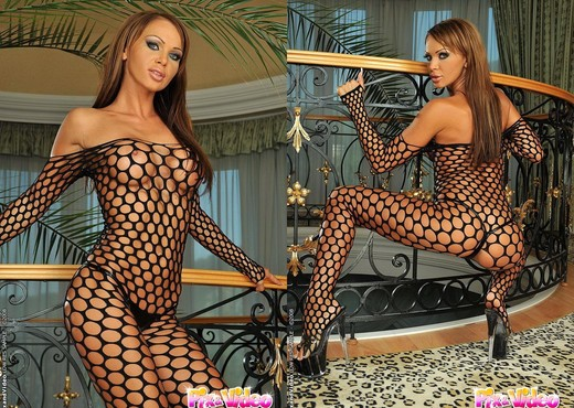 Christina Bella Toying - Pix and Video - Toys Nude Pics