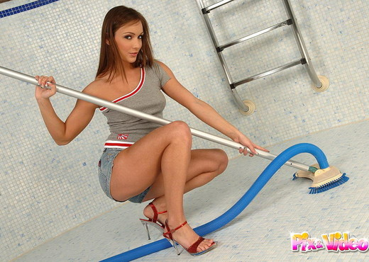 Xena Misty Playing with her toys - Toys Nude Gallery