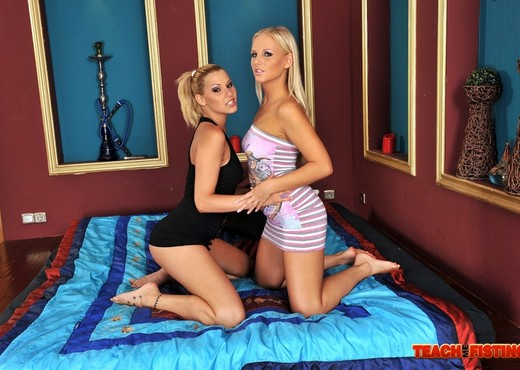 Barbie White & Cindy Hope Fisting Each Other - Fisting TGP