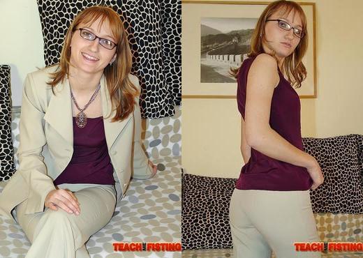 Hazel - Teach Me Fisting - Fisting Nude Pics