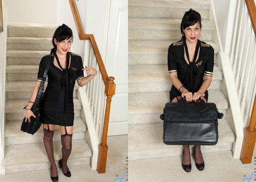Betty Jones - After A Long Day - MILF Picture Gallery