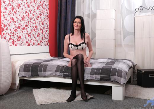 Laura Dark - Mature Self Love - MILF Sexy Gallery