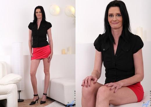 Laura Dark - Still Got It - Anilos - MILF Nude Gallery