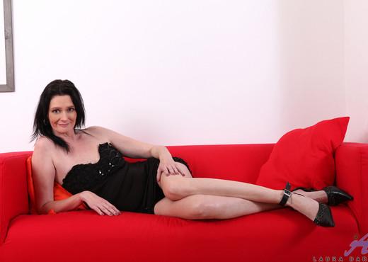 Laura Dark - Toy Joy - Anilos - MILF Image Gallery
