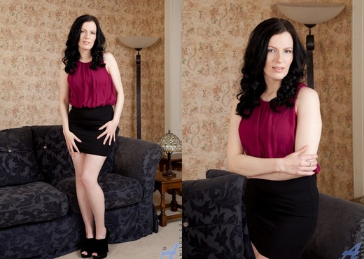 Charisma Jones - Big Tit Mature - MILF Sexy Photo Gallery
