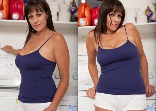 Tori Dean - Always Time To Play - MILF Nude Pics