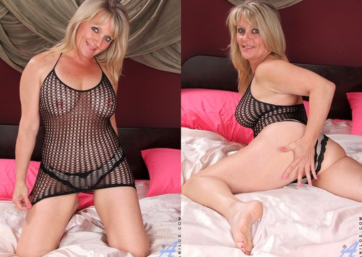 Bobbie Jones - Morning Release - MILF TGP