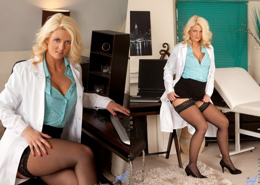 Olivia Jayne - Naughty Nurse - MILF Sexy Photo Gallery