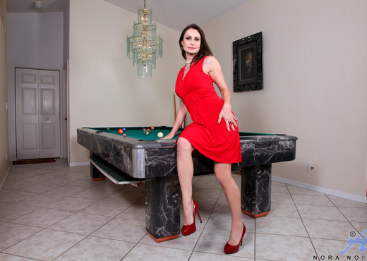 Nora Noir - Mature Games - Anilos - MILF Image Gallery