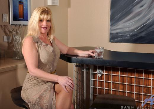 Dawn Jilling - Busty Blonde - MILF TGP