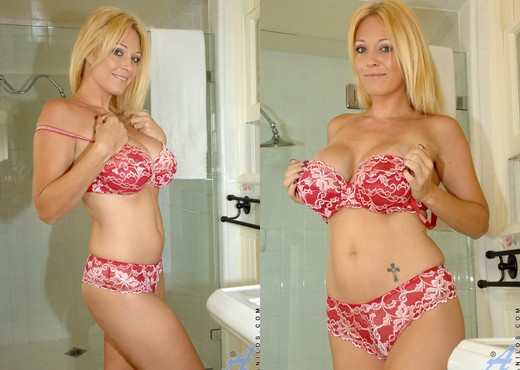 Charlee Chase - Wet Tit Play - MILF Sexy Photo Gallery