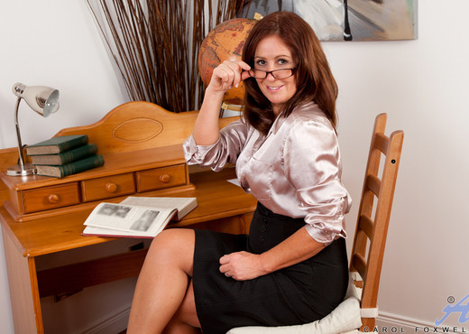 Carol Foxwell - Office Playtime - MILF Sexy Gallery