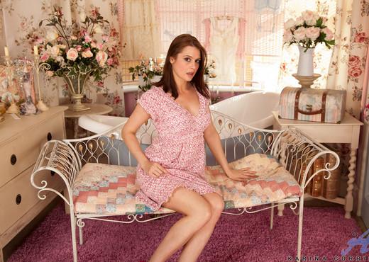 Karina Currie - Lovely Boobs - MILF HD Gallery