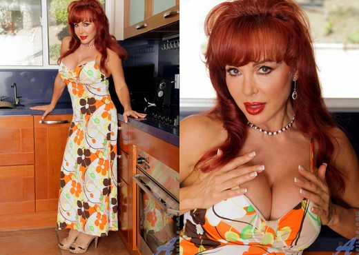 Vanessa Bella - Kitchen Fun - MILF Image Gallery
