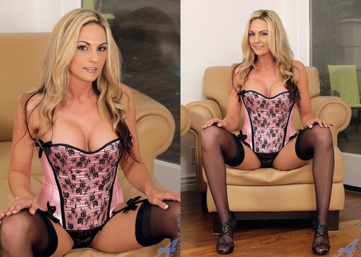 Sindy Lange - Sexy Lingerie - MILF Sexy Photo Gallery