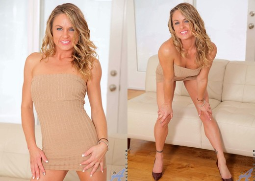 Amanda Blow - Magic Wand - Anilos - MILF TGP