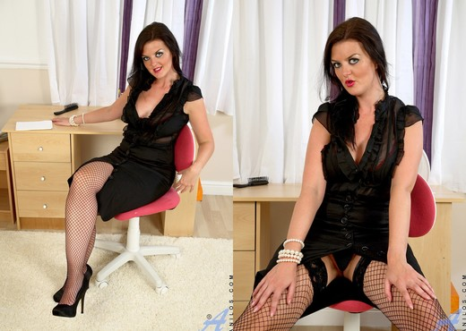 Vixen - Black Stocking - Anilos - MILF Sexy Photo Gallery