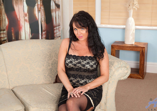 Leah - Black Stockings - Anilos - MILF Picture Gallery