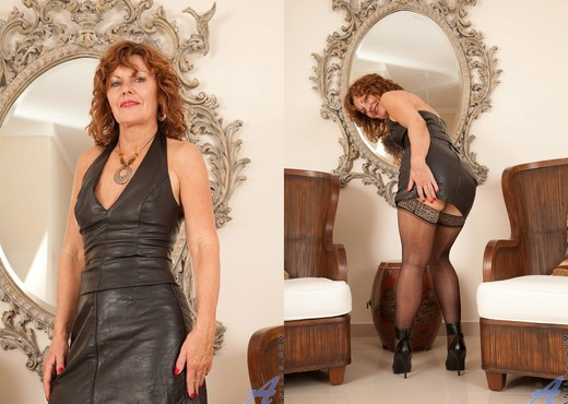 Cascade - Black Leather - Anilos - MILF Hot Gallery