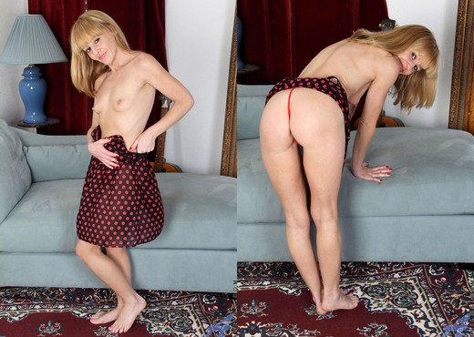 Josie - Polkadot Pussy - Anilos - MILF Image Gallery