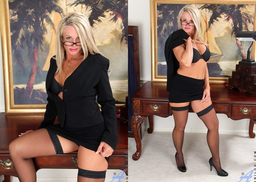 Jena Jackson - Secretary - Anilos - MILF Hot Gallery