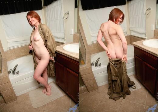 Ariana Carmine - Bath Tub - Anilos - MILF Nude Gallery