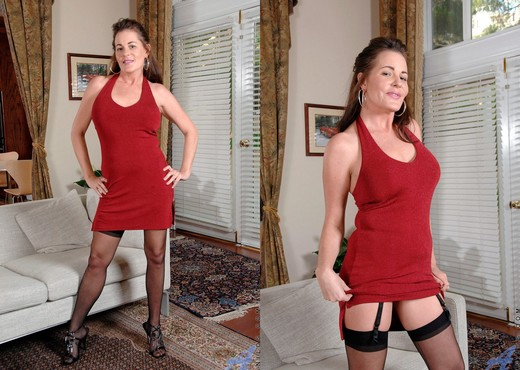 Bella Roxxx - Magic Wand - Anilos - MILF HD Gallery