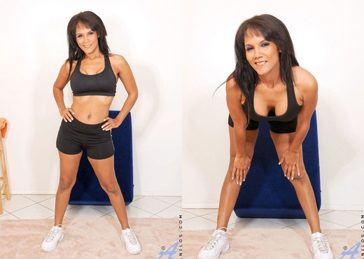 Anjanette Astoria - Workout - MILF TGP