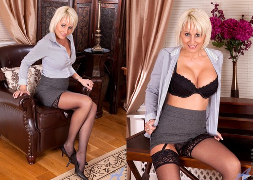 Jan Burton - Black Stockings - MILF TGP