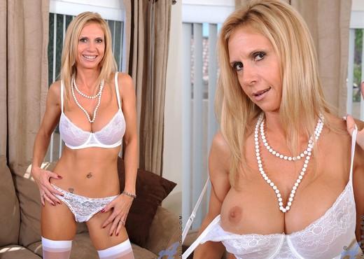 Brooke Tyler - White Lingerie - MILF Image Gallery