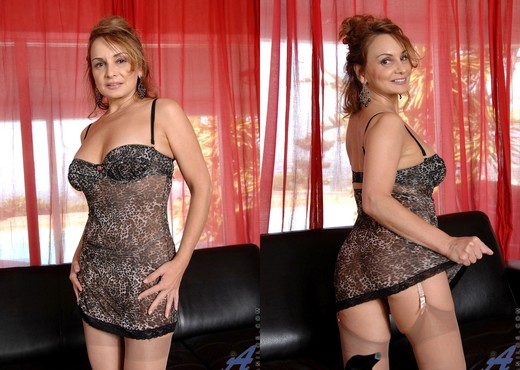 Rebecca Bardoux - Red Toy - Anilos - MILF Hot Gallery