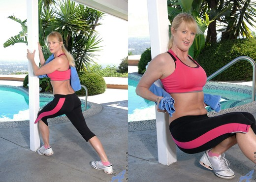 Bethany Sweet - Exercise - Anilos - MILF Picture Gallery