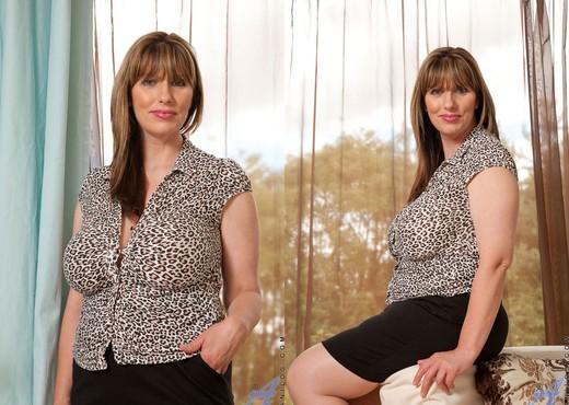 Josephine James - Stockings - MILF Hot Gallery