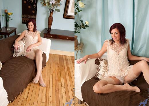 Sofia Matthews - Silver Vibe - MILF Image Gallery
