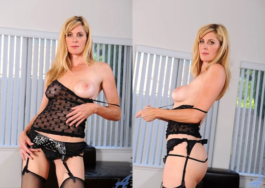 Kate Kastle - Sexy Lingerie - MILF Sexy Photo Gallery